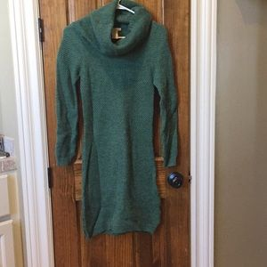Precious green sweater dress.